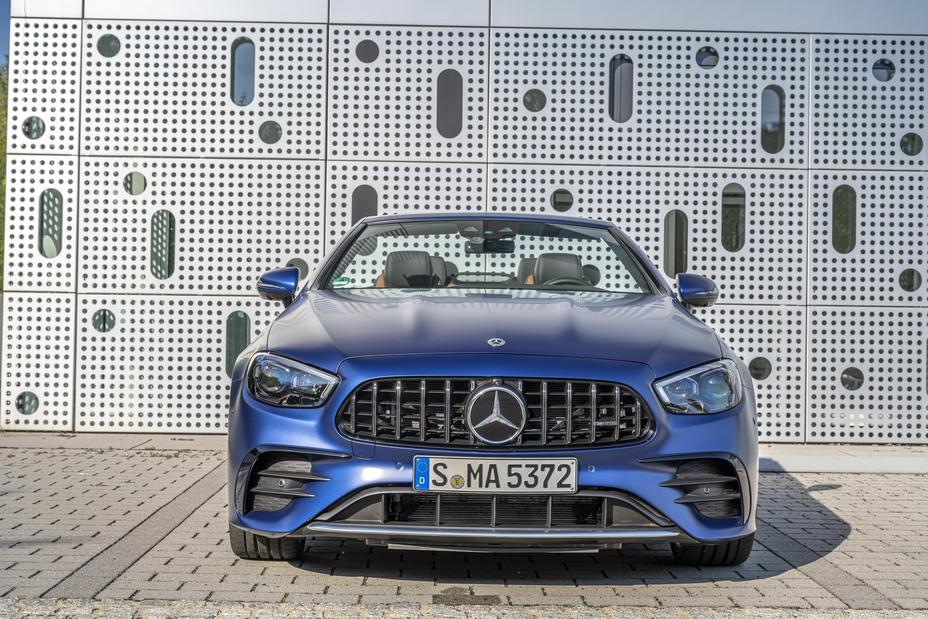 Mercedes-Benz E kabriolet AMG šířka