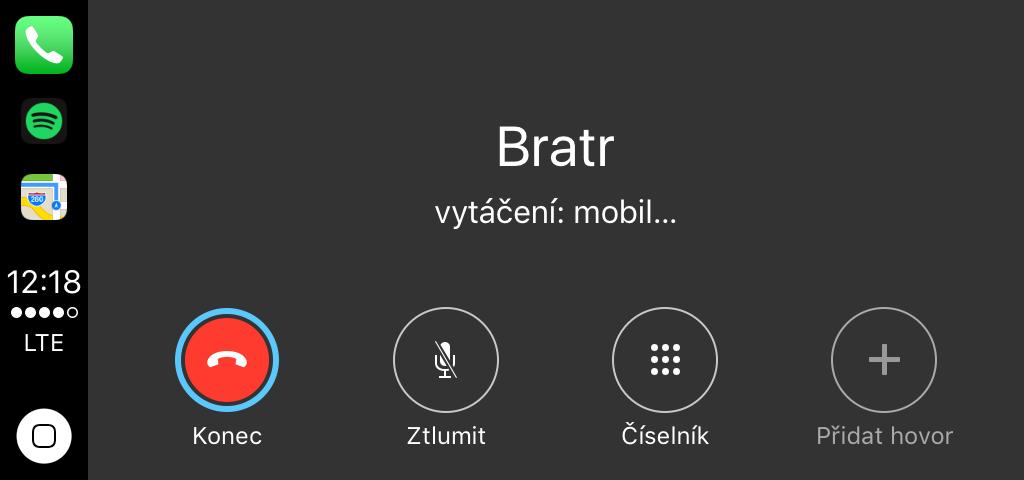 Volání přes Apple Carplay