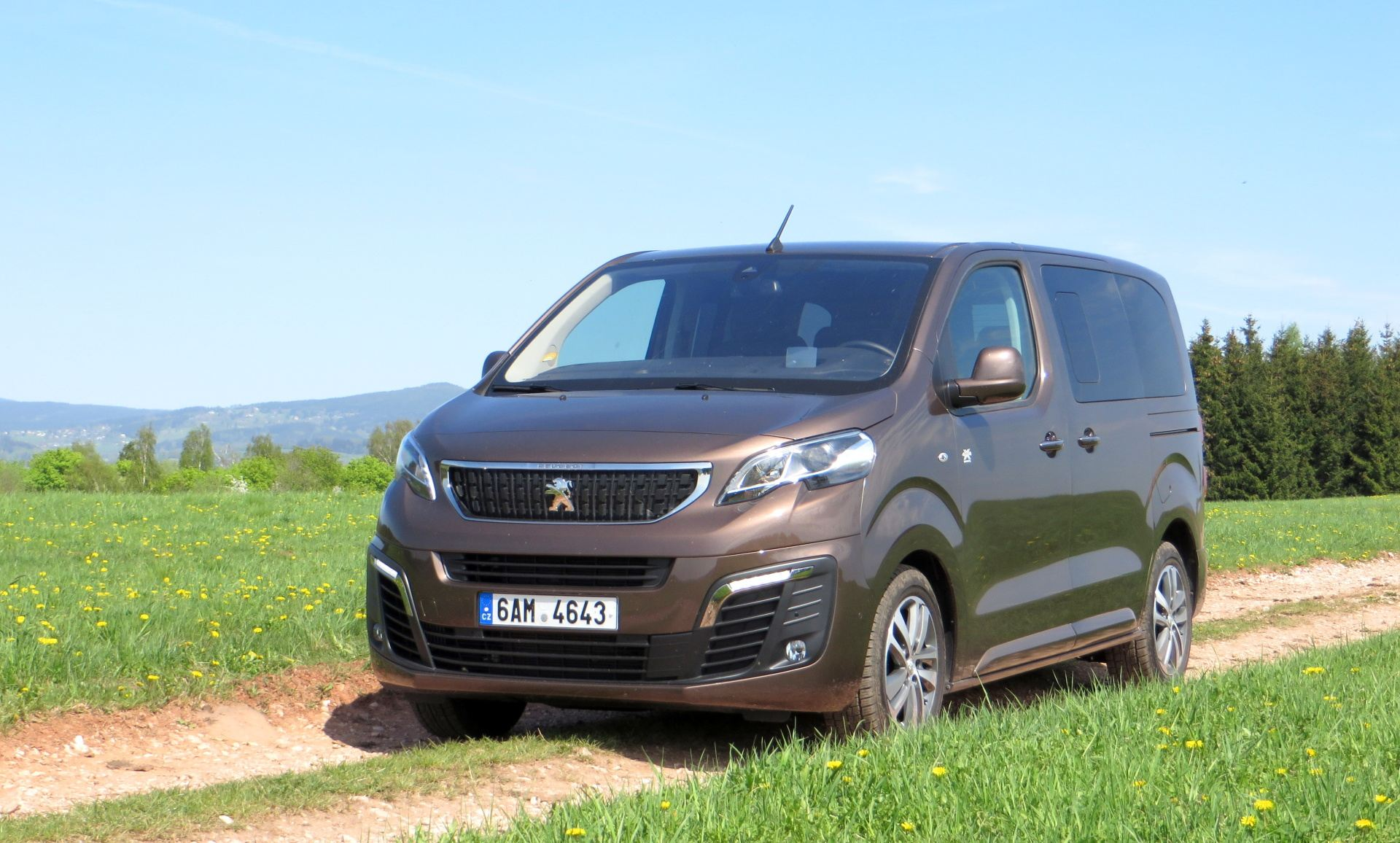 peugeot traveller recenze srovn n a cen k. Black Bedroom Furniture Sets. Home Design Ideas