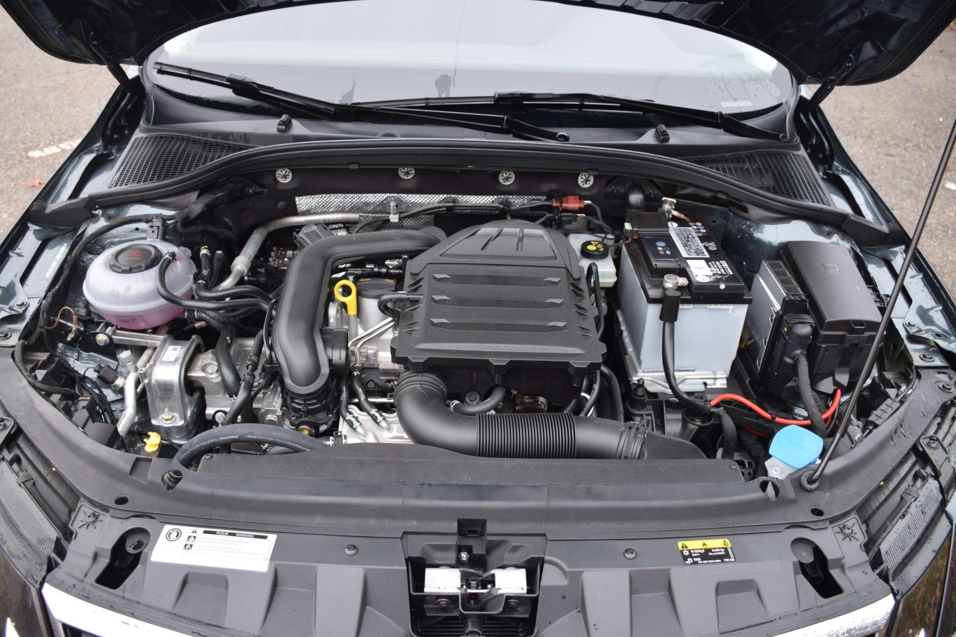 motorový prostor pro 1.0 TSI