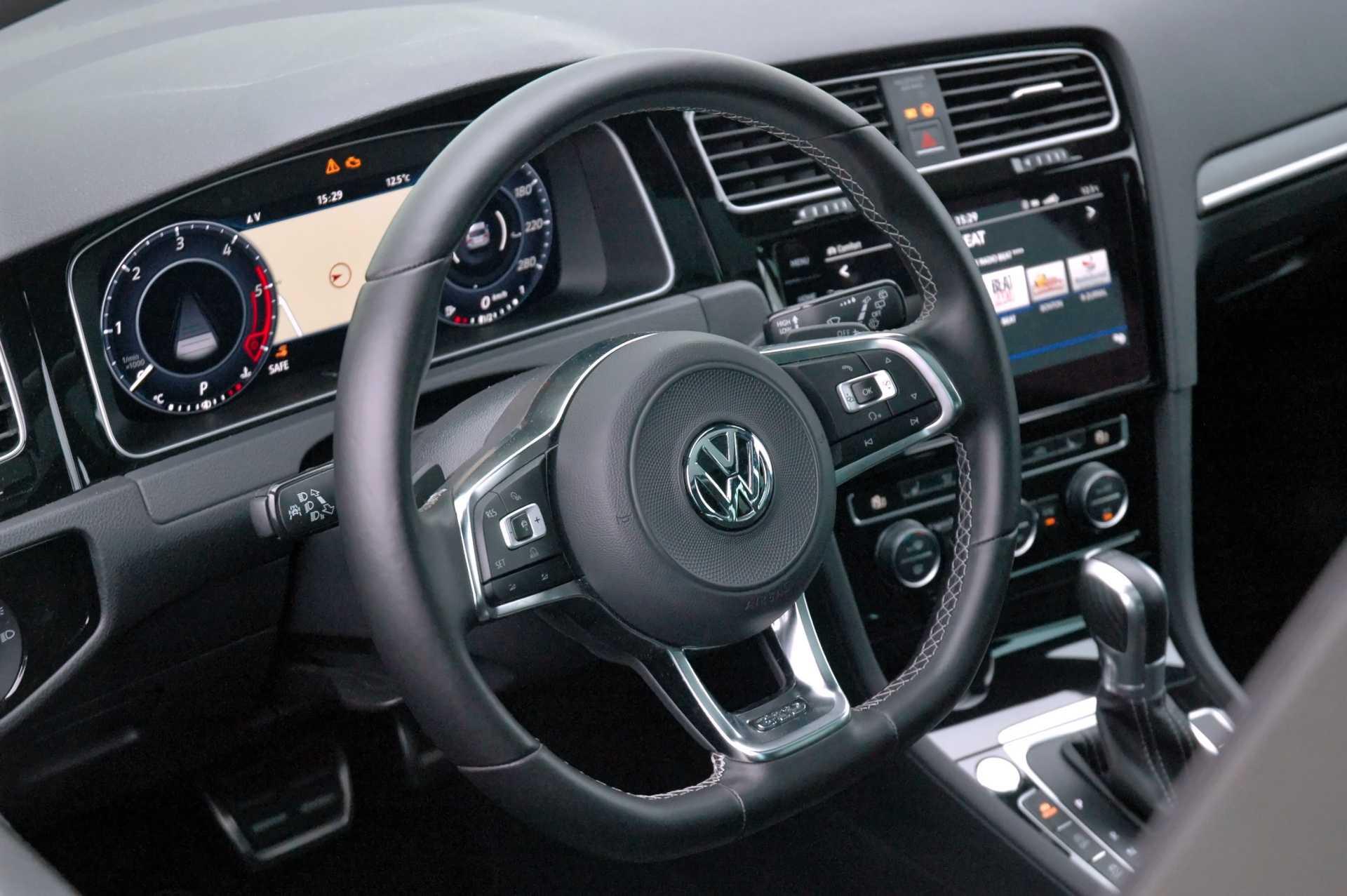 Golf GTD virtual cockpit