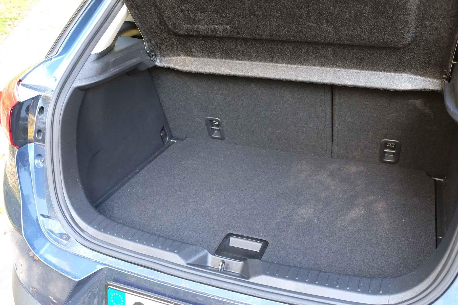 Nepříliš prostorný zavazadelník nové Mazdy CX-3